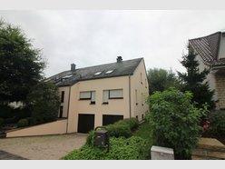 Villa à louer 5 Chambres à Sandweiler - Réf. 4689521