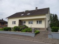 Renditeobjekt / Mehrfamilienhaus zum Kauf 7 Zimmer in Beckingen - Ref. 4685913
