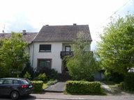 Einseitig angebautes Einfamilienhaus zum Kauf 5 Zimmer in Weiskirchen - Ref. 4633646