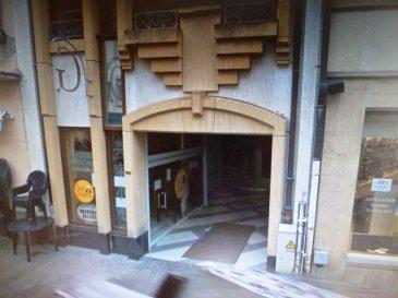Ettelbruck plein centre commerce de 70 m2 sur deux étages. Wc, ascenseur, gr.  Rendement de 4% / an.