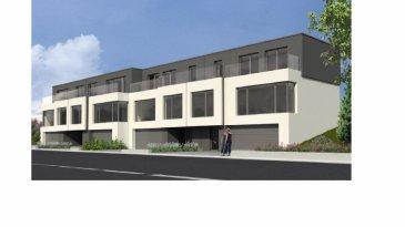 Ensemble avec le promoteur Capalux SA et le constructeur SCL Luxembourg General Constructor Sàrl nous vous proposons un ensemble de quatre habitations; la maison dont il est question se compose comme suit: Rez-de-chaussée: un double garage ± 33 m2, une cave ± 10 m2, une buanderie/chaufferie ± 10 m2, le hall d'entrée ± 12 m2. Premier étage : une grande pièce ouverte composée du séjour et de la cuisine ± 50 m2, un wc séparé ± 2 m2, une chambre ± 14 m2, une salle de bain ± 3 m2 et le palier ± 6 m2. Le séjour s'ouvre, à l'arrière de la maison, sur une terrasse ± 30 m2. Deuxième étage: 3 chambres à coucher ± 12, 12 et 16 m2, 2 salles de douches de ± 5 m2 chacune, un palier ± 6 m2 ainsi qu'une terrasse orientée sud ± 12 m2. Cet étage profite d'une vue dégagée à l'avant et de la forêt à l'arrière.   Généralités:  - Fin de construction prévue en septembre 2017; - Consommation basse énergie (classe énergétique
