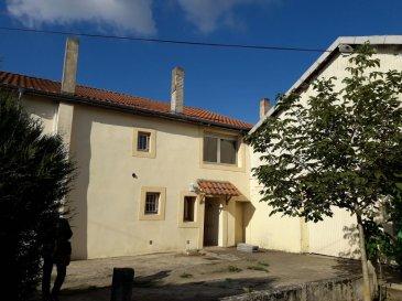 ----------------------------------- 06 89 42 65 79 --------------------------------<br>Grande maison, avec 2 logements indépendant de 115 et 90 m²<br>+ un dépôt de 250 m² env. avec 3 bureaux, sur 16 ares 37.<br>de nombreuses possibilités d\'aménagements, prévoir travaux<br>proche de l\'aéroport, sur l\'axe Solgne/Metz Technople.<br />Ref agence :2284236