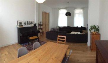 Votre agence Vitrin\'immo de Lallaing vous propose à Douai cette maison bourgeoise, à proximité de toute commodité.<br><br>Située dans le vieux Douai, cette maison qui ne manque pas de cachet vous propose: une entrée, un vaste salon/séjour de 35m². Une cuisine équipée, une salle de bain. <br>L\'espace couchage est composé de 4 grandes chambres de 15m²  dont une suite parentale.<br>A l\'extérieur une terrasse ainsi qu\'une cour et des dépendances. <br><br>La maison dispose également d\'une cave. <br><br><br>Petit plus: dans secteur prisé ce bien vous offre espace et caractère pour de chaleureux moments.<br><br>Avis de l\'agence: avis aux amateurs de maison bourgeoise, celle ci ne pourra que vous conforter. Du cachet dans chacune des pièces.<br><br>Quelques villes proches: Lallaing, Lauwin-planque, Cuincy, Lambres lez Douai, Flers en Escrebieux, Courchelettes ....<br>