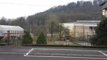 MOYEUVRE GRANDE : terrain de 7,14 ares constructible dans rue calme, 18 m de façade, viabilité comprise dans le prix.