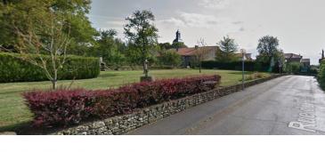 FISCHER immobilière vous propose ce terrain constructible, situé dans une rue calme de Mairy-Mainville, d'une superficie de 9 ares, repartis comme suit 30m x 30m.  Idéalement situé, proche du Luxembourg, 25km d'Esch-sur-Alzette, 10km de Briey, 30km de Thionville, ainsi qu'à quelques kilomètres d'Audun-le-Tiche et d'Audun-le-Roman.  N'hésitez pas à nous contacter au +352 661 210 328 pour plus de renseignements ou visite.