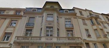 METZ QUARTIER IMPERIAL MAGNIFIQUE IMMEUBLE PATRIMONIAL. A deux pas de la gare magnifique immeuble de caractère très bien situé et entretenu. Aucun frais d'entretien à prévoir dans les années à venir. Il se compose de : 3 F5, 1 F4, ainsi que d'une maisonnette de type F3 avec terrasse privative de 28 m². Le tout pour une superficie totale d'environ 480 m². (possibilité comble aménageable) L'immeuble dispose également de 4 garages et une place de parking   annexes (caves, combles aménageables)  La qualité et la situation de cet immeuble en font un investissement fiable !   Nouveauté, à ne pas manquer...  dont 4.66 % honoraires TTC à la charge de l'acquéreur