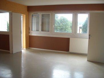 Appartement F2 situé au 2ème étage :  Séjour-Salon / Cuisine / Salle de bains / WC /  1 chambre / Balcon