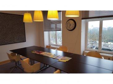 A louer rue Notre Dame, au 3ème étage, une surface de bureau de 312 m2, ainsi qu'une salle d'archive au 4ème étage de 30m2.  Caution de 6 mois. Disponible au 1 juillet 2016.  Demander plus d'informations