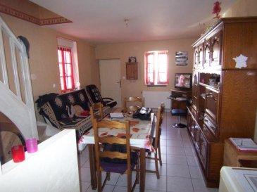 Secteur prémontrés, dans petite copro de 4 appartements avec entrée individuelle.  Cuisine équipée, séjour. A l'étage : 2 chambres, salle de bains. Parfait état.