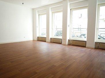 Appartement Thionville 2 pièce(s) 55 m2. Proche de la gare, dans rue calme, grand F2 situé en rez-de-chaussée avec séjour spacieux, cuisine indépendante non équipée, 1 chambre, 1 salle de bains et 1 wc séparé. <br>Cellier et cave en sous-sol. <br><br>Double vitrage pvc.<br>Chauffage individuel au gaz.<br><br>Loyer 500euros<br>Charges 50euros<br>Dépôt de garantie 500euros<br>Honoraires agence 375euros<br><br>Contact:<br>Julie Lukas 06.85.83.77.60<br>Karine Karas 06.08.31.19.87<br>