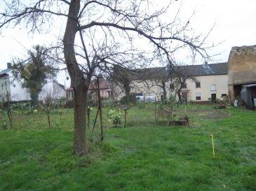 Très beau terrain à bâtir à vendre dans le village d'Altwies, commune de Mondorf-les-Bains. (Lot 1)  Terrain pour construction d'une maison jumelée.