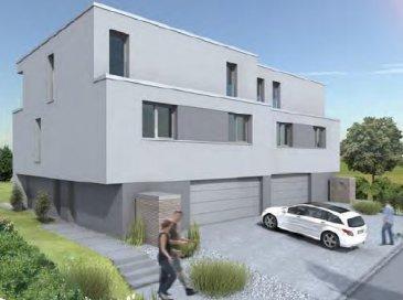 MAISON JUMMELEE - terrain de 3.55 ares - exposition plein sud - calme absolu - 500m du centre de Bertrange - 4 chambres à coucher - 2 salles de  bains/douche - 1 suite parentale - 1 bureau - double garage - ....etc.......  - prix tva 3% pour résident: 1.368.000,-€ - prix tva 17% pour investisseur 1.418.000,-€  A VOIR CHEZ LE PROMOTEUR