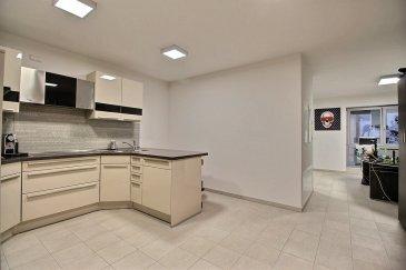 RE/MAX, le spécialiste de l'immobilier à Dudelange, vous propose en exclusivité un appartement transformé en bureau, en plein centre ville de Dudelange, proche de toutes commodités, dans un immeuble récent, offrant d'excellentes prestations.    Composition :  Hall d'entrée, avec deux pièces de rangement. Une salle de bain Une cuisine  Living Chambre  Personne de contact : Jorge Da Graca : 621 252 212