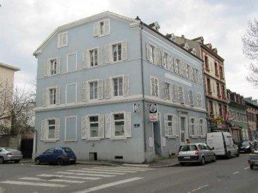 Immeuble de 638m2  (568m2 habitable) situé à Mulhouse. Il comprend 10 appartements plus un local commercial. Loyers mensuels : 4.980 euros. Rentabilité : 11% Honoraires à la charge du vendeur