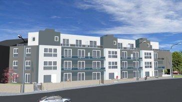Très bel appartement neuf (Lot 060) d'une surface habitable de +/- 93 m2 (Ecopass: BB) prochainement en construction dans une splendide résidence style contemporain de haut de standing à 20 unités avec plusieurs ascenseurs offrant au:<br>2e étage: hall d'entrée, wc séparé, cuisine non équipée ouverte sur grand séjour/ salle à manger lumineux (de +/- 55 m2) donnant accès à un balcon (de +/- 8 m2), débarras séparé (de +/- 4 m2) , 2 chambres à coucher spacieuses (de +/- 12 à 14 m2), salle de douche (de +/ 6 m2);<br>Sous-sol: cave privative, buanderie commune, chaufferie.<br>ATOUT SUPPLEMENTAIRE: 1 emplacement intérieur compris dans le prix de vente.<br>Situation intéressante, à 5 minutes du Centre d'Esch/Alzette.<br>Esch-sur-Alzette se trouve à 15 minutes de Luxembourg-Ville à proximités de toutes les commodités (commerces, écoles, banques, hôpital, accès autoroutier, transports publics etc).<br>Finitions haut de gamme.<br>GARANTIE DECENNALE.<br />Ref agence :HI-1175
