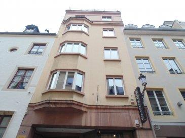 Bernard Moes 621 71 28 77 vous propose ce bureau au troisième étage sis à 1, rue Louvigny L-1946 Luxembourg.  Cet objet d'exception est idéal pour un bureau d'avocat, une fiduciaire ou un cabinet médical.  Ce bureau entièrement rénové de 137m2 offre d'une grande salle de réception avec un accès sur la terrasse, d'une salle de réunion, de 3 bureaux séparés, de 2 wc et d'une cuisine équipée.  Le bureau dispose d'un caisson insonorisé pour unité centrale ou serveur et d'une central téléphonique.  Immédiatement disponible  Veuillez contacter Bernard Moes au numéro +352 621 71 28 77 pour obtenir plus d'informations ou pour prendre rendez-vous pour une visite.  N'hésitez pas à contacter l'agent immobilier BERNARD MOES au numéro +352 621 71 28 77 si vous avez un bien à vendre ou à louer.