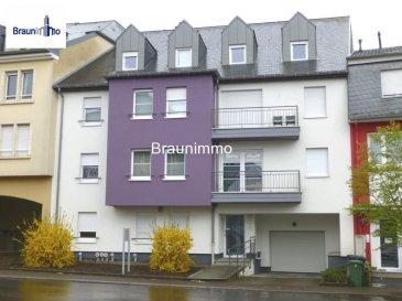 Magnifique appartement-duplex de 131m2 dans une résidence de 2010 comprenant: Hall d'entrée, salon-salle à manger avec une terrasse de 25m2 (exposition sud et vue dégagée), cuisine équipée (machine à laver, sèche-linge, lave-vaisselle, frigo, four,plaques vitrocéramique), 3 chambres à coucher avec une salle de douche et une salle de bains, wc séparé, 2 emplacements voiture, cave. L'appartement est en très bon état.        Ref agence :2109180