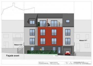 ****     RESERVE     ****   RE/MAX, spécialiste de l'immobilier à Rodange, vous propose ce magnifique appartement de 3 chambres au rez-de-chaussée d'une nouvelle résidence en construction, d'une surface de 94,94 m2 habitables environ. Il se compose de la manière suivante :  - Grand hall d'accueil desservant toutes les pièces. - Un salon-séjour donnant accès sur une terrasse de 13,86 m2 et sur un jardin privatif de 137,10 m2 - Une grande cuisine de 18,50 m2 environ avec accès sur une terrasse. - 3 chambres de 13 m2, 11,50 m2 et 10 m2 environ, donnant sur une superbe terrasse de 27 m2 environ. - Une salle de bains et un WC séparé. - Une grande cave privative et un parking intérieur privatif. - Une buanderie commune, un local à vélo, et un local poubelle complètent cet appartement.  Le bien sera livré