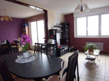 Appartement F4 dans résidence calme et bien situéé. Balcon, cave et place de parking
