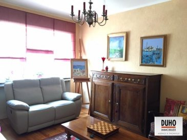 THIONVILLE APPARTEMENT DE TYPE F3 Dans un quartier conviviale du centre ville, laissez-vous charmer par ce joli appartement de 55 m². Il se compose d'une entrée, d'un salon et d'un séjour lumineux, cuisine, une chambre, salle de bains avec douche et wc, un cellier. Une cave.  Proche de toutes commodités et de tous transports en commun.  4% d'honoraires à la charge de l'acquéreur.   Ref agence :1927