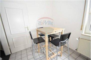 RE/MAX spécialiste de l'immobilier à Luxembourg vous propose plusieurs bureaux à la location au seins d'un business center.  -          Les horaires d'ouverture sont de 8h00 à 18h00.   -          Le loyer pour un bureau (+/- 9m2,  pour 1 personne) est de : o   800€ HTVA mensuel pour 12 mois o   720€ HTVA mensuel pour 24 mois (remise de 10%)   -          Le loyer pour un bureau (+/- 15m2 pour 2 personnes) est de : o   1 550€ HTVA mensuel pour 12 mois o   1 395€ HTVA mensuel pour 24 mois (remise de 10%)   Une caution de 2 mois sera demandé au locataire.     Ce tarif comprend : -          une adresse de siège social, -          le mobilier : bureau, chaise, caisson (avec clés) et armoire, -          l'accueil physique et téléphonique, -          le traitement du courrier entrant et sortant (hors affranchissement) -          l'accès internet, -          l'accès à la cuisine.   Ce tarif ne comprend pas : -          le parking, selon disponibilité, -          l'accès à la sal le de réunion : 25€/heure HTVA. -          les travaux de secrétariat ou autres services facturés seront au temps passé, au tarif de 50€/heure HTVA.