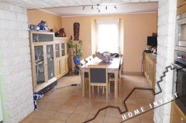 Découvrez cette belle maison sur un terrain de 5.68 ares, de 140 m2 habitable, et d'une surface utile de 311,42 m2 env., rénovée quasiment entièrement il y a 7 ans.  Elle se compose comme suit: Rez-de-chaussée: Hall d'entrée de /- 18 m2 Salle à manger cuisine ouverte de /- 31,50 m2 Salon Tv  d'env. 11 m2 Salle de bains de /- 7,50 m2 Grand espace garage  pour 3 voitures de /- 64 m2, l'étage vers le grenier aménageable de /- 76 m2 et d'une hauteur de 8,50m, accès vers la terrasse de 7,50 m2. Beau Jardin de /- 4 ares  1er étage : Hall de nuit de /- 9,70 m2 Bureau de /- 6,20 m2 Chambre de /- 15 m2 Magnifique salle de bains de /- 14,70 m2 avec baignoire d'angle, douche, toilette et double vasque.  2ème étage : 2 chambres à coucher dont une de 11 m2 et une de 17 m2.  Sous-sol: Une vraie cave à vins voutée de /- 26 m2 vient compléter ce bel ensemble. Finitions : Fenêtres double vitrage, chaudière de 2002, vidéophone, volets électrique sur les velux, Seul gros travaux à prévoir la façade, devis déjà disponible. Pour les visites contactez l'agence au numéro  26 531 532  Ref agence :HI-1362
