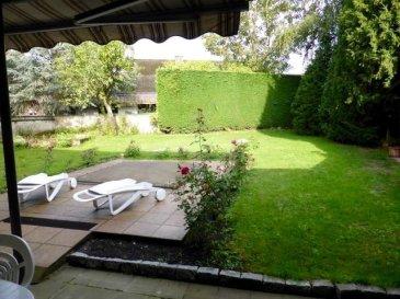 Très belle Maison spacieuse et lumineuse, libre de 4 côtés, sur terrain de  7,55 ares avec piscine, se situant près de tous commodités et se composant:  Au RDC D'un vaste hall avec cage d'escalier de +/- 25,84 m2 D'un WC séparé D'un grand living +/- 50,5 m2 avec cheminée et accès sur un balcon D'une cuisine équipée avec accès extérieur D'un débarras D'une salle-à-manger de +/- 10,95 m2 D'un salon de +/-17,85 m2 D'une chambre à coucher de +/- 24,84 m2 avec armoires encastrés D'une salle de bain avec baignoire et douche  Au 1ier étage D'un hall avec cage d'escalier et placard D'une salle de bain De 5 chambres à coucher (de +/- 19,31 m2, de +/- 15,89m2, de +/- 15,56m2, de +/-10,02 m2 et de +/-10,17 m2) D'un débarras  Dans la cave D'une chaufferie (chaudière Viessmann à gaz de +/- 2010 De 6 caves D'une buanderie avec accès vers l'extérieur D'une douche D'une toilette Et accès à la piscine qui se trouve sous le jardin  LIBRE A L'ACTE