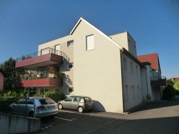 Appartement 3 pièces de 67 m2 plus jardin d'environ 2 ares à prox. de Truchtersheim  Ce très bel appartement, construit en 2011 bénéficie d'une vaste pièce de vie de 28 m2 (séjour et cuisine us équipée) avec accès à la terrasse et au jardin Les extérieurs représentent environ 2 ares  Les deux chambres ont des surfaces de 12m2 et 11m2 La salle de bain est équipée d'une baignoire et les wc sont séparés.  Un garage, une cave et deux places de parking complètent l'équipement de cet appartement  Honor. 4% inclus. Copropriété de 12 lots principaux. Montant moyen mensuel de la quote-part du budget prévisionnel à la charge du vendeur pour les dépenses courantes : 120 euros.