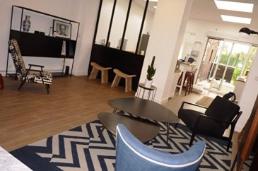 COLOCATION MEUBLEE 7 pièce(s) 135 m2. Colocation, à deux pas de la place du travail, superbe rénovation et réhabilitation maison de type T5, entièrement meublée et équipée avec gout, d'une surface de 135 m², qui comprend une pièce principale avec cuisine équipée ( plaque  four   hotte   frigo), salle de bains, wc, terrasse de 16 m².  A l'étage, trois chambres meublées,  Loyer 440.00 euros par locataire Honoraires à la charge du locataire, soit 335.37 euros par locataire Idéal étudiant EDHEC, ESPEME, ESAAT, ESMOD, autres universités et jeunes actifs....Disponible à compter du 01.08.2016