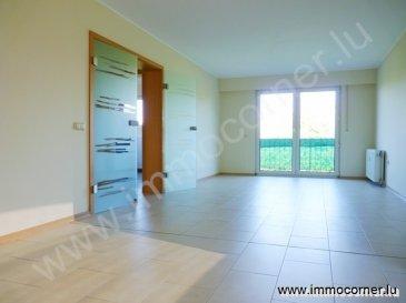 Immo Corner, votre agence disponible 7j/7j vous propose en location à Clémency.  Appartement de 80m2 entièrement rénové  en 2013 avec 2 chambres à coucher au premier étage.   L'appartement se compose comme suit: -    hall d'entrée, -    espace reprenant living et salle à manger de 30m2 avec sortie vers balcon, -    balcon de 11m2,  -    cuisine neuve entièrement équipée (10,5m2) avec sortie sur balcon, -    chambre à coucher de 14m2, -    chambre à coucher de 11m2,  -    salle de douche de 6,5m2 avec douche italienne, wc, lavabo et fenêtre, -    grande cave/buanderie privative de 11m2 avec fenêtre, wc, radiateur et sortie vers terrasse commune.     Informations diverses: -    jardin commun, -    terrasse commune, -    emplacements devant la résidence,  -    possibilité de location d'un garage au prix de 100.-/mois, -    double vitrage, -    disponible de suite,  -    charges: 180.-/mois (2 personnes).  Pour toute information supplémentaire votre agent Immo Corner se tient à votre entière disposition 7j/7j même les week-ends. Immo Corner 621547474.