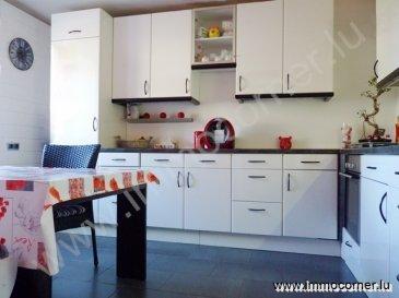 Immo Corner, votre agence immobilière disponible 7j/7j vous propose à Walhausen.   Le prix est à discuter!!!  Maison d'une surface habitable de 156m2 et de 170m2 de surface utile.  Le rez-de-chaussée se compose comme suit:  -       hall d'entrée,  -       cuisine équipée récente de 2011 en bon état,  -       espace reprenant living et salle à manger,  ° sol revêtu de parquet massif,  ° poêle scandinave,  -       buanderie avec sortie vers terrasse,  ° fenêtre,  ° lavabo,  ° wc séparé,  ° douche séparée.  -       escalier donnant au premier étage.     Le premier étage:  -       hall de nuit,  -       chambre à coucher de 15,5m2,  -       chambre à coucher de 18m2,  -       chambre à coucher de 11m2,  ° toutes les chambres sont munies de parquet massif.  -       spacieuse salle de bains avec baignoire, wc, lavabo et fenêtre,  -       escalier donnant au deuxième étage.     Le deuxième étage:  -       hall de nuit,  -       chambre à coucher de 13m2,  -       chambre à coucher de 12,5m2,  -       chambre à coucher de 13m2,  -       chambre à coucher de 10m2.     La cave:  -       accessible à partir de la buanderie,  -       grande pièce avec fenêtre, lavabo, prises 220V,  -       chaufferie.  Les alentours:  -       grande terrasse de 145m2,  -       abri de jardin en béton avec possibilité de faire un garage,  -       4-5 emplacements.     Informations diverses:  -       maison soignée,  -       porte d'entrée en bois WK3,  -       électricité complètement refaite en 2013,  -       toiture recouverte d'ardoise,  -       toiture complètement isolée,  -       dalles en béton,  -       situation très tranquille.  Pour toute information supplémentaire votre conseiller Immo Corner se tient à votre entière disposition 7j/7j.  Immo Corner 621 54 74 74