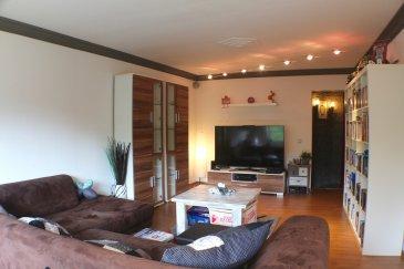LUXEMBOURG-HAMM 879.000 Euros.  Belle maison au calme d'une surface habitable de +-185m2 sur un beau terrain de +-7,6 ares.  Cette maison entièrement rénovée en 2006 dispose d'au rdch d'un hall d'entrée, vaste living-salle à manger lumineux avec accès terrasse et jardin à l'arrière, cuisine équipée haut de gamme (2006) et une double chambre à coucher +-24,5m2 (utilisable comme 1-2 chambres ou à changer en chambre avec salle de bains)  1ier étage: hall de nuit, 1 belle chambre à coucher (+-12m2), un dressing ou bureau (+-8m2) avec accès au grenier non aménageable, 1 chambre à coucher (+-15m2), 1 espace commun utilisé comme coin bureau (+-12m2), 1 salle de douche et la dernière chambre à coucher (+-12m2) avec accès au vaste dressing privatif (+-18m2).  Au sous-sol se trouve une belle salle de bains avec baignoire est douche, un WC séparé, débarras et buanderie avec accès terrasse et jardin avec vue sur la forêt, chaufferie, cave, cuisine d'été et garage pour 1 voiture.  Ce bien se trouve à proximité de toutes commodités, arrêt de bus à 200m, restaurants, accès autoroutes, aéroport, école internationale à 5 minutes à pied (350m), dans une rue très calme sans circulation principale.  Equipements: dalles en béton, double vitrage PVC (2006), chauffage (2006), façade (2010), électricité (2006), toiture (2010)...  Absolument à découvrir!   ***HERBY IMMO = MEILLEURS PRIX DU MARCHE***   (Herby Immo vous garantit le prix d`achat le moins cher du marché)
