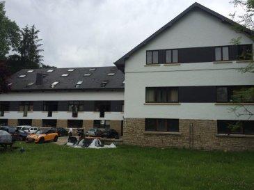 AVIS AUX INVESTISSEURS !!!!<br>Absolument à saisir !!!!<br>Studio à vendre, surface : +/- 40 m2, comprenant cave, sis au 2 ième étage avec ascenseur.<br>Dans une résidence qui sera complètement rénové, elle est disposé sur 3 étages. Nouvelle façade, nouvelle chaudière, communs entièrement refaits à neuf.<br>Possibilité d'acquérir un emplacement extérieur de parking pour voiture : 8000,- €<br>N'hésitez pas à nous contacter à l'agence IMMOMOD SA Real Estate, au nr de tel: 27 99 09 53 ou GSM 691 925485.