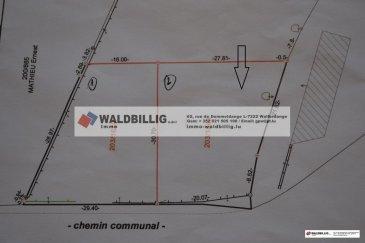 « Terrain sans contrat de construction « <br>Terrain à Derenbach; Commune de Wincrange, <br><br>Terrrain d'une surface 7.27 ares, en périmètre, sans contrat de construction<br>Orientation Sud<br><br>Possibilité de construire une maison unifamiliale <br><br>Le branchement et raccordement à la canalisation est déjà réalisé<br><br><br />Ref agence :gw-979945