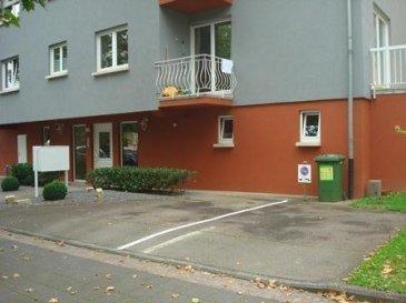 Place de parking extérieure sise au 185, rue de Luxembourg à Esch/Alzette. Idéal pour garages car place très exposée au passage. Bon rendement si location : 12%.