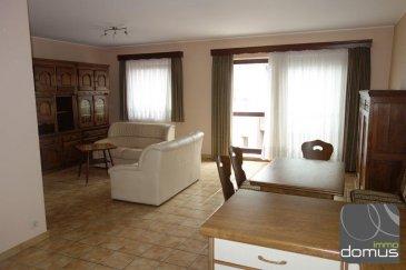 Bel appartement au 2ième étage à vendre de 83 m2 se composant d\'un hall d\'entrée, grand living/salle à manger avec cuisine équipée ouverte, 2 chambres à coucher, salle de bain, cave, ascenseur.<br><br>Cet appartement est situé dans une rue calme à proximité de toute commodité.<br>Disponible de suite.<br />Ref agence :101352