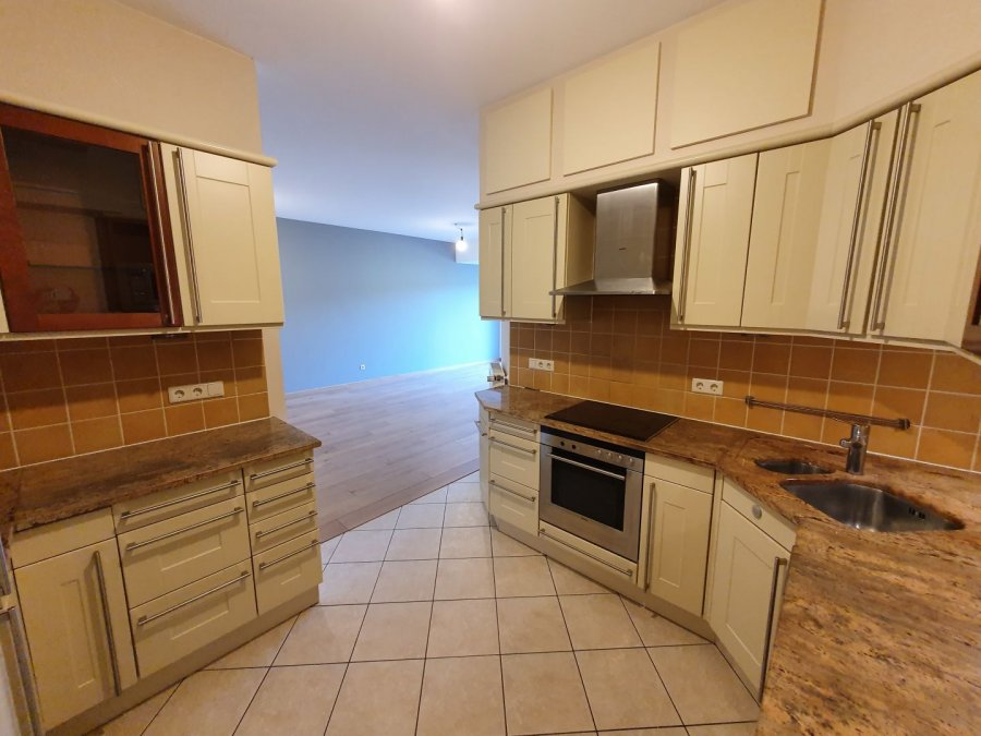 Appartement à vendre 3 chambres à Luxembourg-Kirchberg