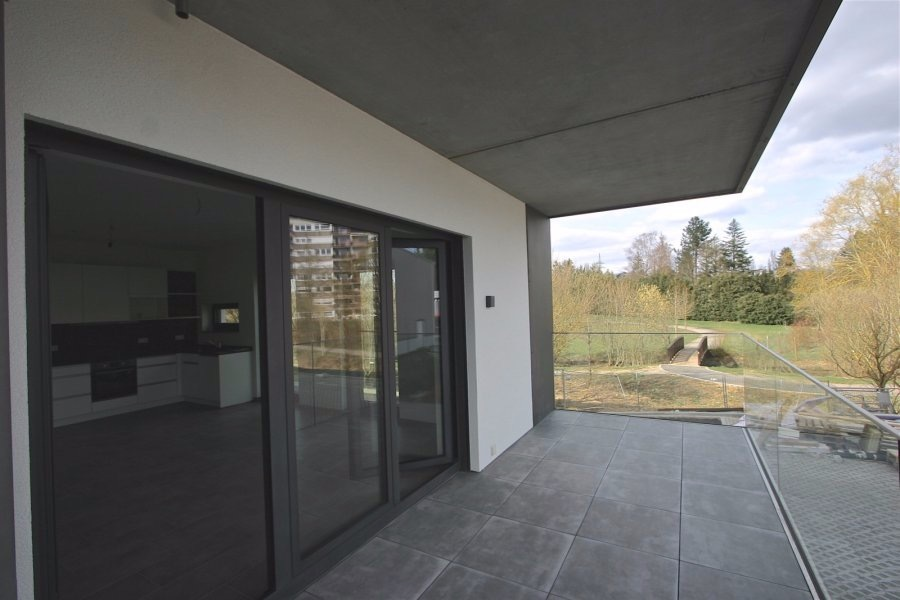 louer appartement 1 chambre 61.05 m² bertrange photo 2