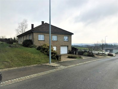 House for sale 4 bedrooms in Hoscheid - Ref. 6746672