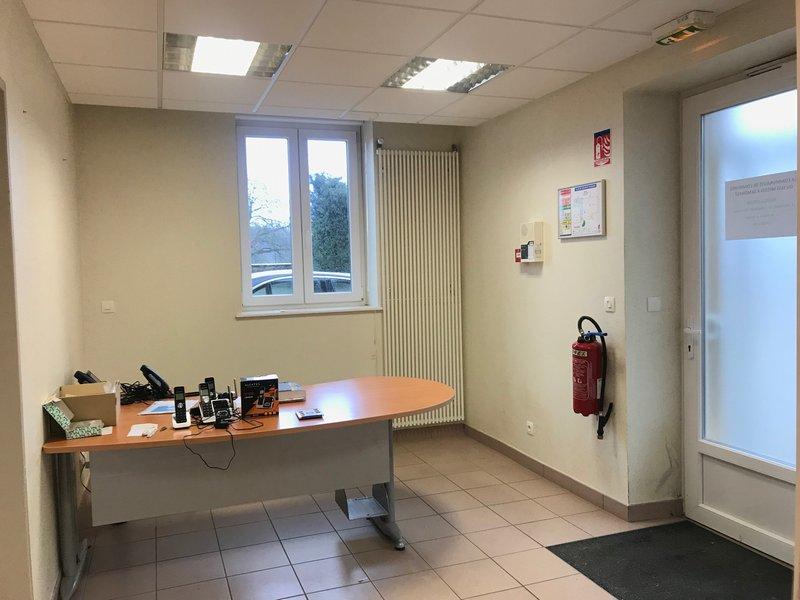 louer bureau 7 pièces 104 m² verny photo 6
