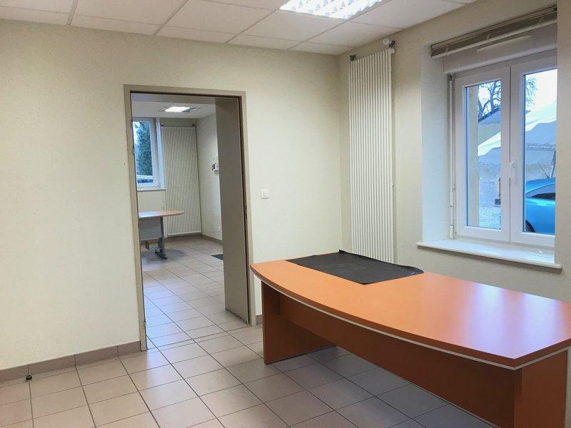 louer bureau 7 pièces 104 m² verny photo 2