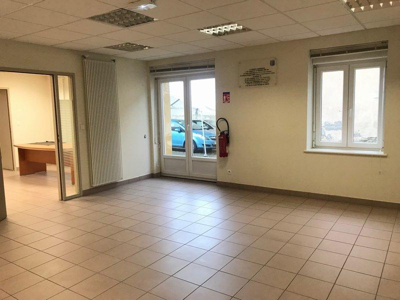 louer bureau 7 pièces 104 m² verny photo 4