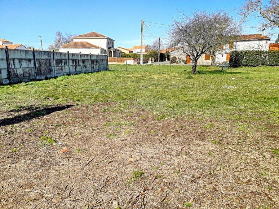 acheter terrain constructible 0 pièce 351 m² saint-julien-de-concelles photo 1