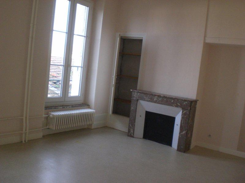 Appartement à louer F2 à Remilly