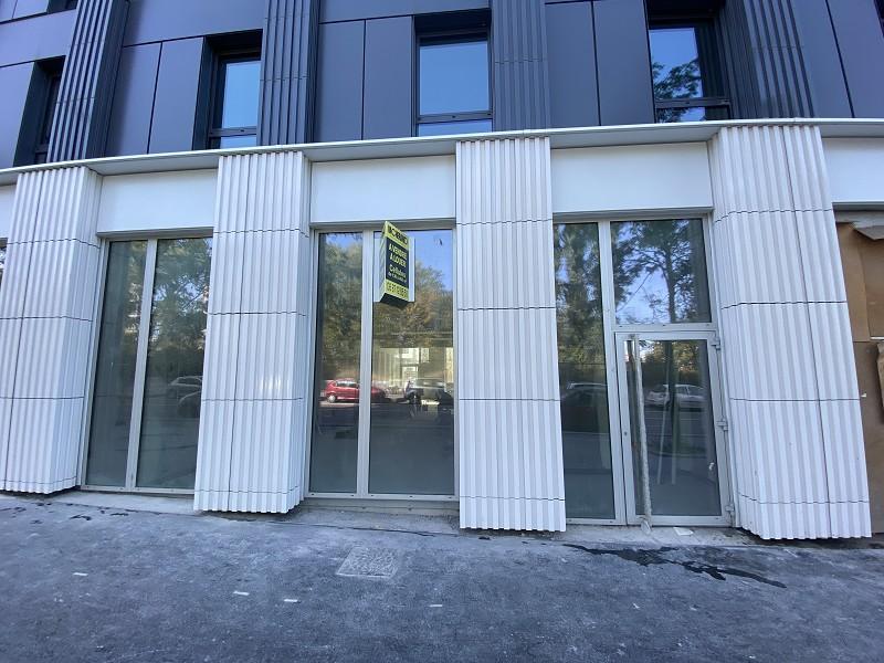 louer local commercial 0 pièce 160 m² lille photo 1