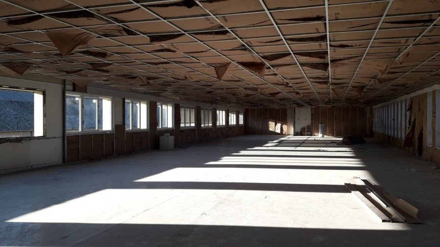 louer bureau 0 pièce 140 m² woippy photo 2