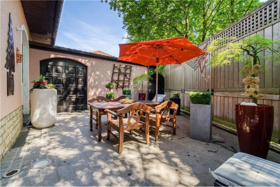 Villa à vendre 8 chambres à Steinfort