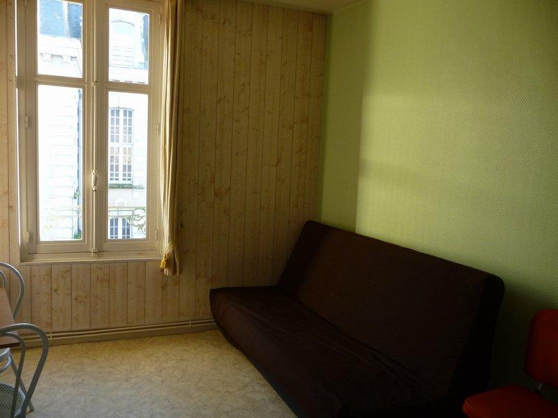 louer appartement 1 pièce 17 m² château-gontier photo 2