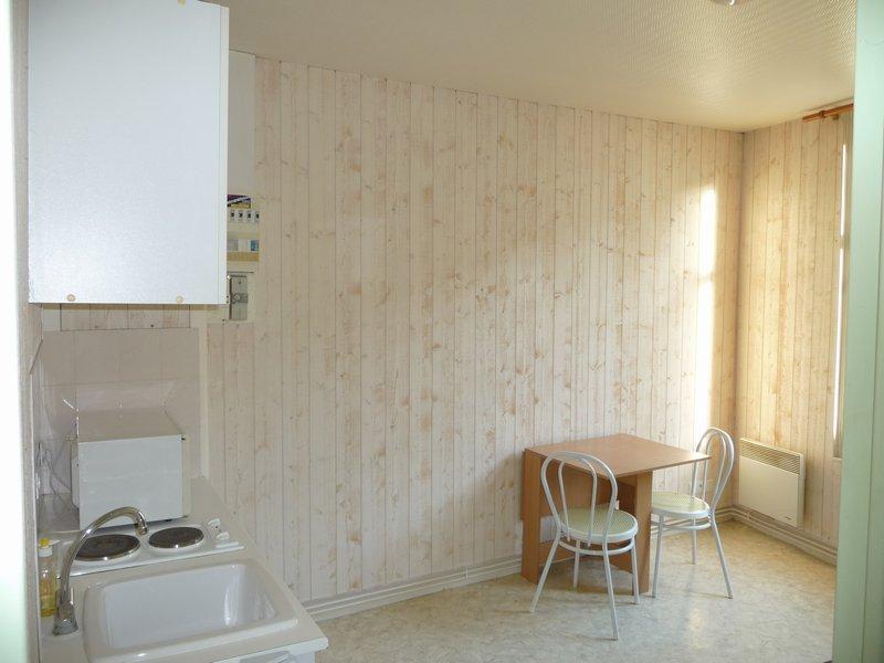 louer appartement 1 pièce 17 m² château-gontier photo 1