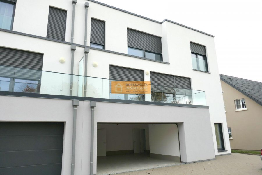 Maison jumelée à louer 5 chambres à Schouweiler